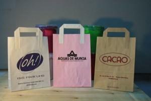 Bolsas y papel colores