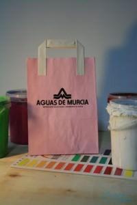 Bolsas y papel rosa